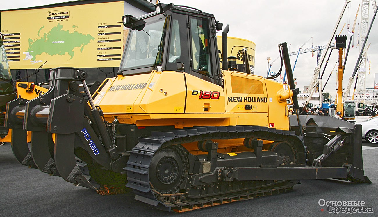 New Holland D180 массой 22 т
